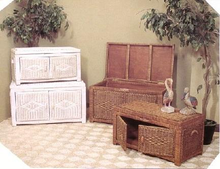 wicker trunk doubles as lift top coffee table