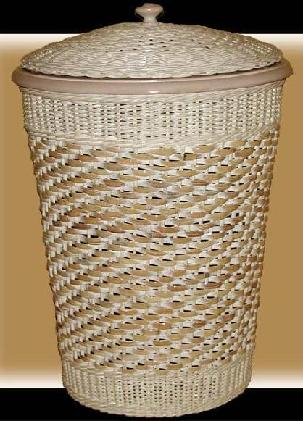 round wicker hamper with liner