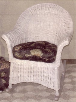clubroom wicker rocker with heavy gauge weave stock #4913